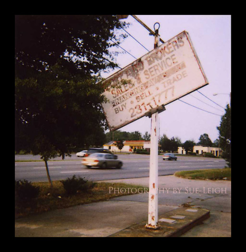 abandonned-sign.jpg